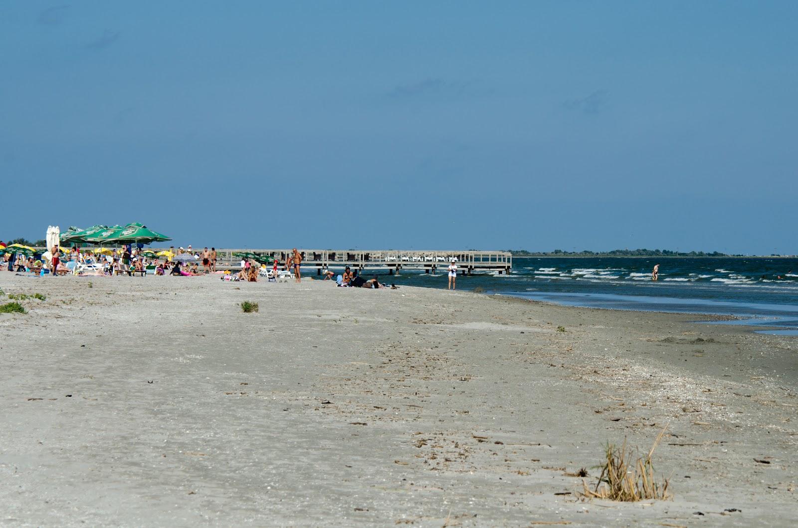 Plaja la Sulina, mare, neaglomerată,potrivită și pentru sporturi nautice